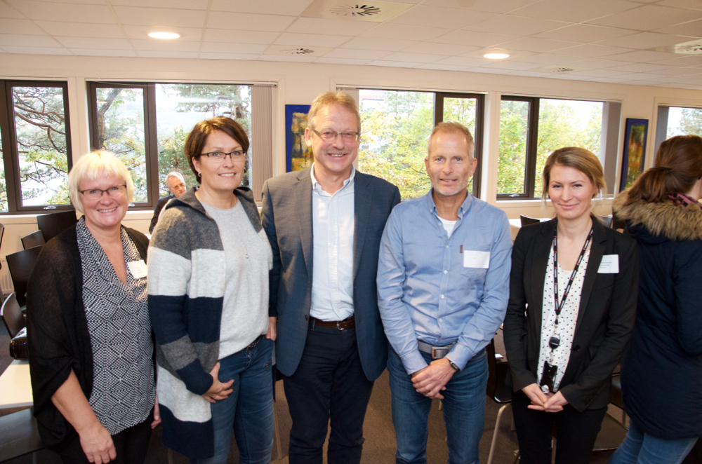 Left-right: Ellen Saltermark (Innovation Norway), Siren M. Neset (The Research Council of Norway), Bjørn Saltermark (GCE NODE), Knut Bang (DOGA) and Katarina Kjelland Sørensen (Cameron) at the breakfast meeting in Kristiansand Wednesday.