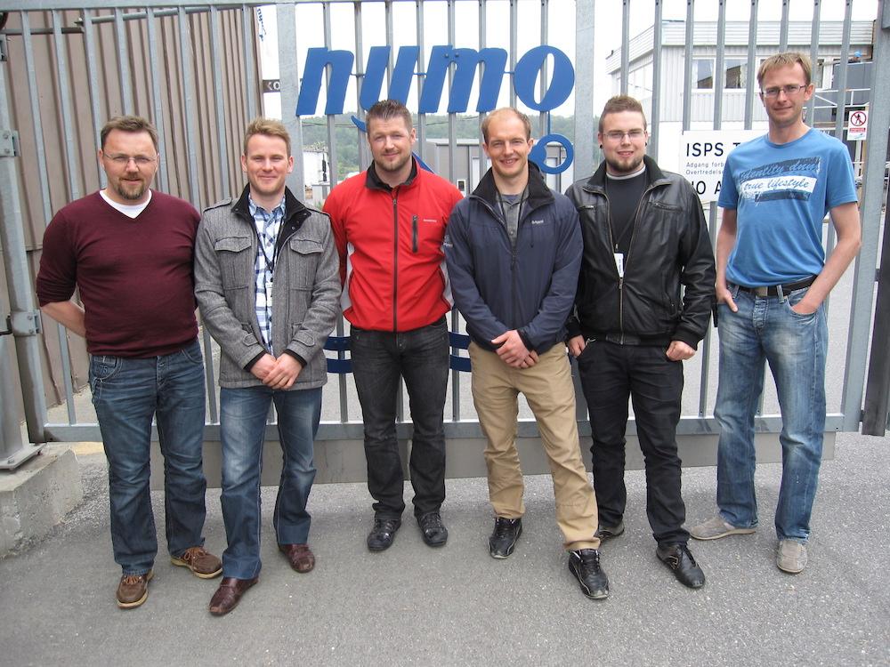 Students at Nymo (left-right): Åsmund Knutson (Nymo), Pål Marius Fredriksen (Indøk student), Hermann Ellingsen (Indøk student), Finn Oscar Carlsen (mechatronics student), Dan Peter Rye Moen (mechatronics student), Oddbjørn Haugeto (Nymo).